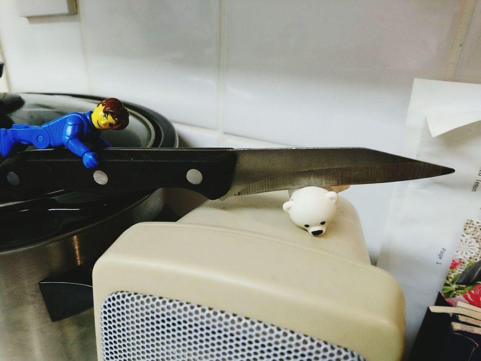 Poor Bear LEGO Lego Man Toy Bear Knife