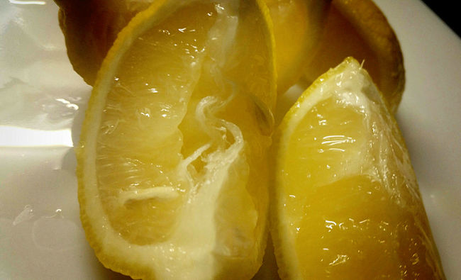 Don't Push me too Hard😉 don't squeeze all my Juices out... said the Yellow Lemon 😋🍋🍋🍋 Fridaynight Dinner Home Made Food Come Hungry😈! Macro Photography Get Close AMPt - My Perspective My Passion ❤ Cooking Taking Pictures Enjoying Life They All Yellow