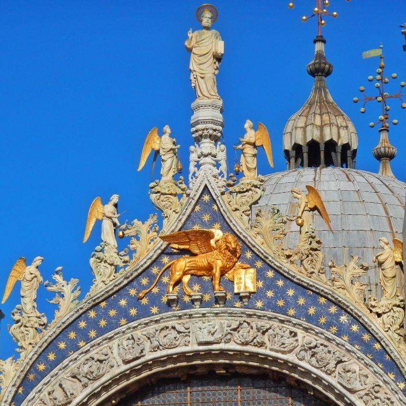 Venezia Venice Venexia Piazza San Marco Venezia Basilica Di San Marco Sculpture Blue Sky Look Up