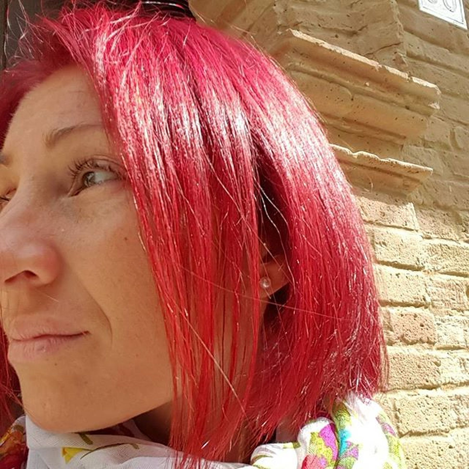 Saturday morning.. a shy sun, many clouds and a little bit cold.. (love red color but my nose is very bad, I know 😒) Sun Saturday Redhair Aperitivtime Lifeinred Redismycolor Lovered Majicontrastmagenta Majirouge666 Majirouge Majirel Wellakolestonperfect Wellakoleston065 Lorealmajirouge666 Lorealprofessionnel Wella Loreal