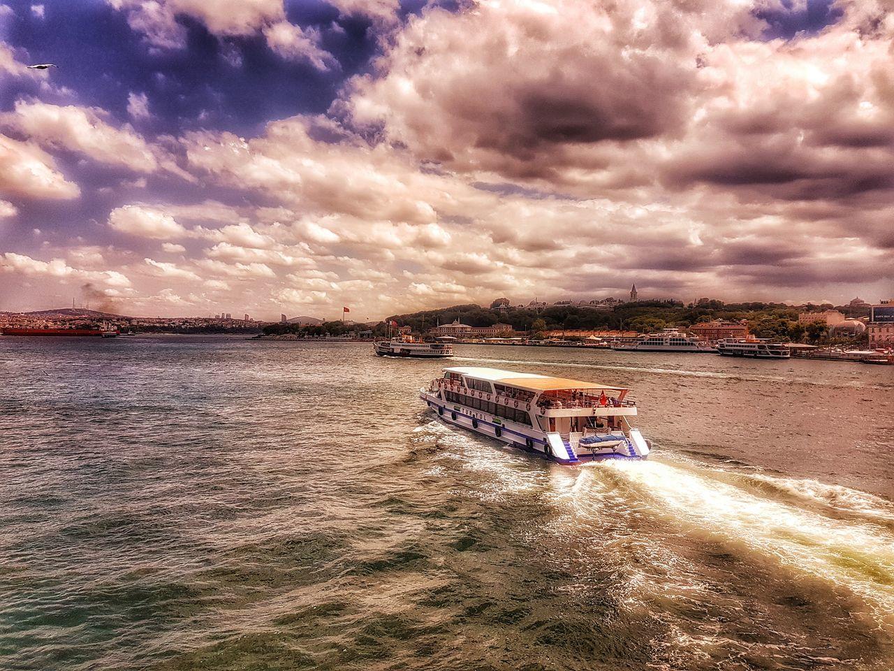 Gemi Vapur Vapur Ve İstanbul Istanbul Turkey Istanbuldayasam Istanbullovers Deniz Bulutlar