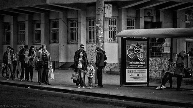 || 🎵 Serj Tarkian - Saving Us🎵 || Streetphotography Nikon D3200 Nikkor35mm Nikonphotography People LINE Busstation Waiting Rostovondon Russia Bw Lightroom Googlenikcollection Silverefexpro