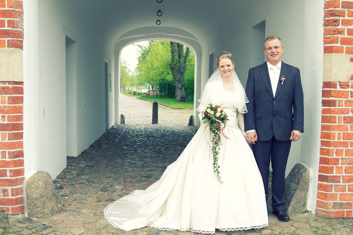 Arch BenRoits BenRoitsPhotogrpahie Day Ehepaar Hochzeit Hochzeitsfotograf Hochzeitsfotografie In Front Of Outdoors Person Standing Trauung  Trauung Im Freien Wedding Wedding Photography Young Adult Young Women