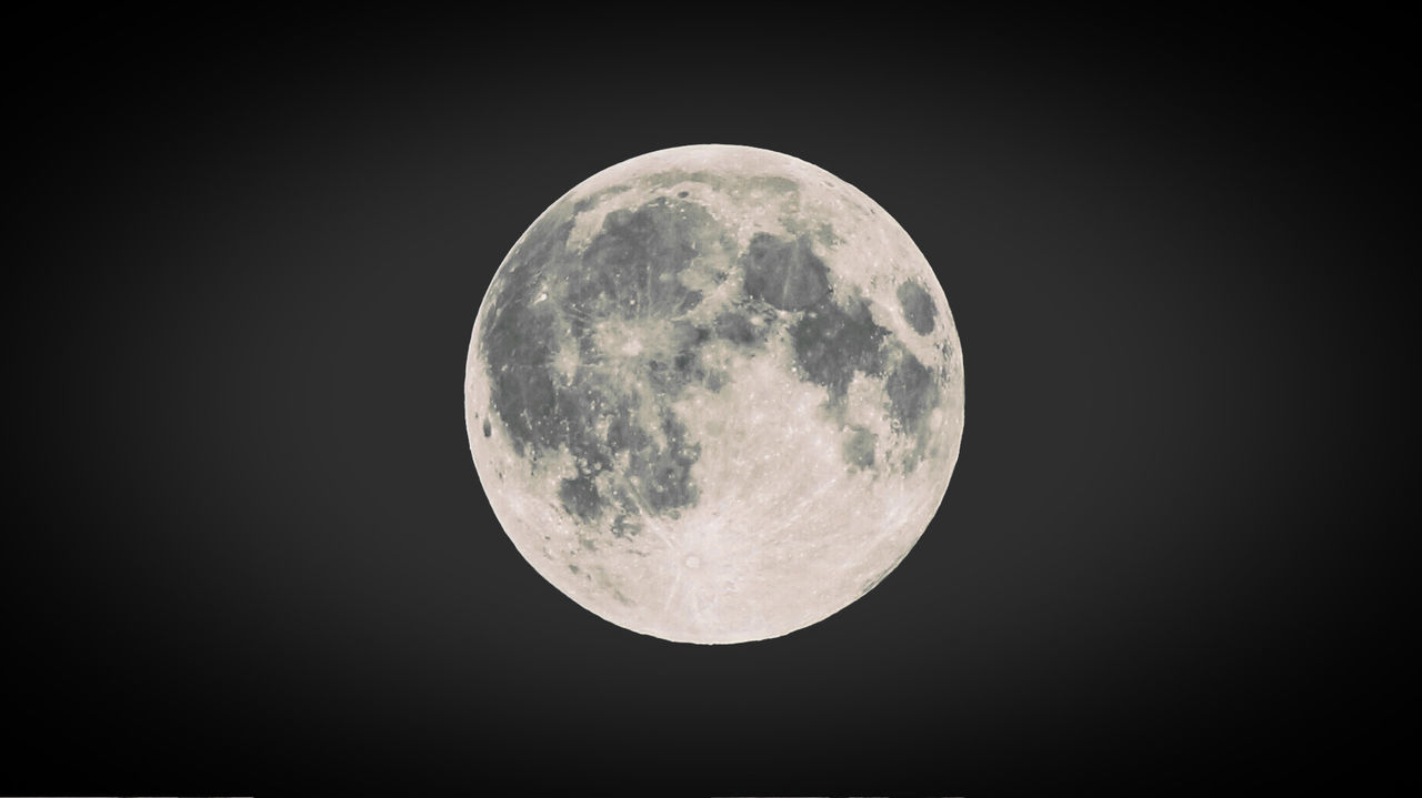 supermoon Astronomy Dark Moon Moon Surface Nature Night No People Outdoors Planetary Moon Supermoon2015