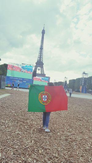 🇵🇹💋FanZone Portugal Football Euro2016 Quevida Footballislife Eiffel_tower  France 🇫🇷 Paris Portuguese Frenchgirl Portuguesegirl Supporters Myteam Footballteam TeamPortugal Portugalfootball Mycountry Minhavida Futboltime