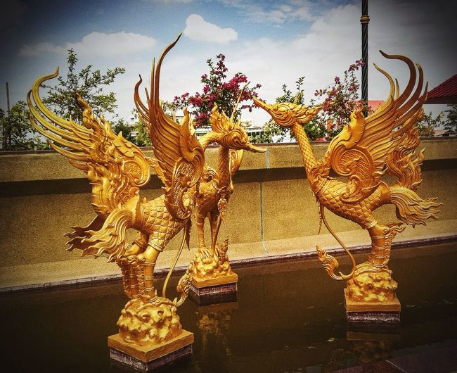 43 Golden Moments Golden Sculptures Thai Craft Hello World On The River Bank  Hong Thong Thai Art