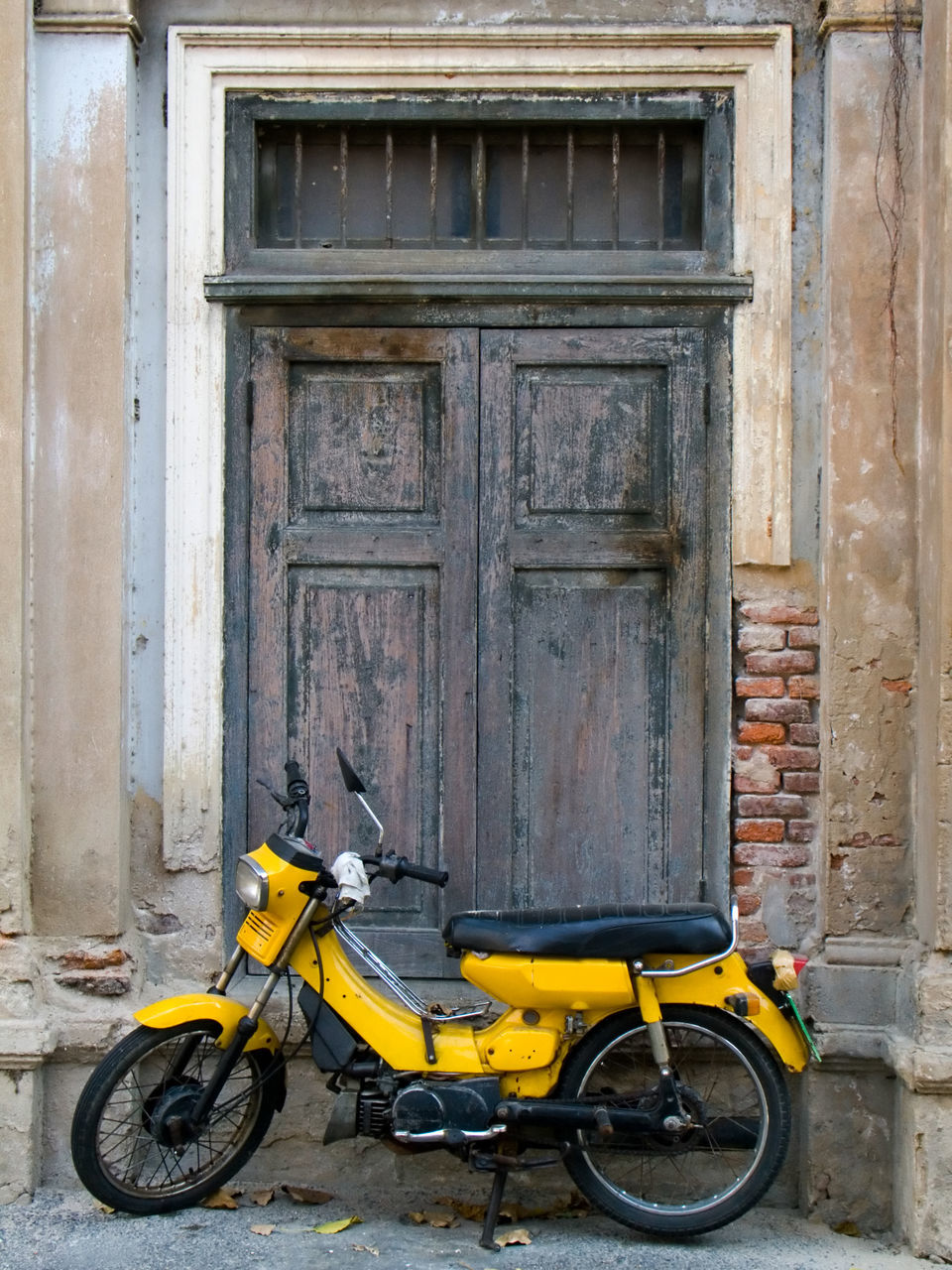 door, built structure, outdoors, architecture, day, no people, building exterior, yellow