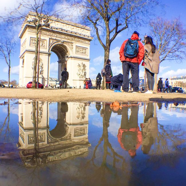 Perfect day for a puddlegram! Bonsoir Paris Being A Tourist EyeEm Best Shots Parisweloveyou Architecture Paris ❤ Paris Eyem Best Shot - Architecture Streetphoto_color
