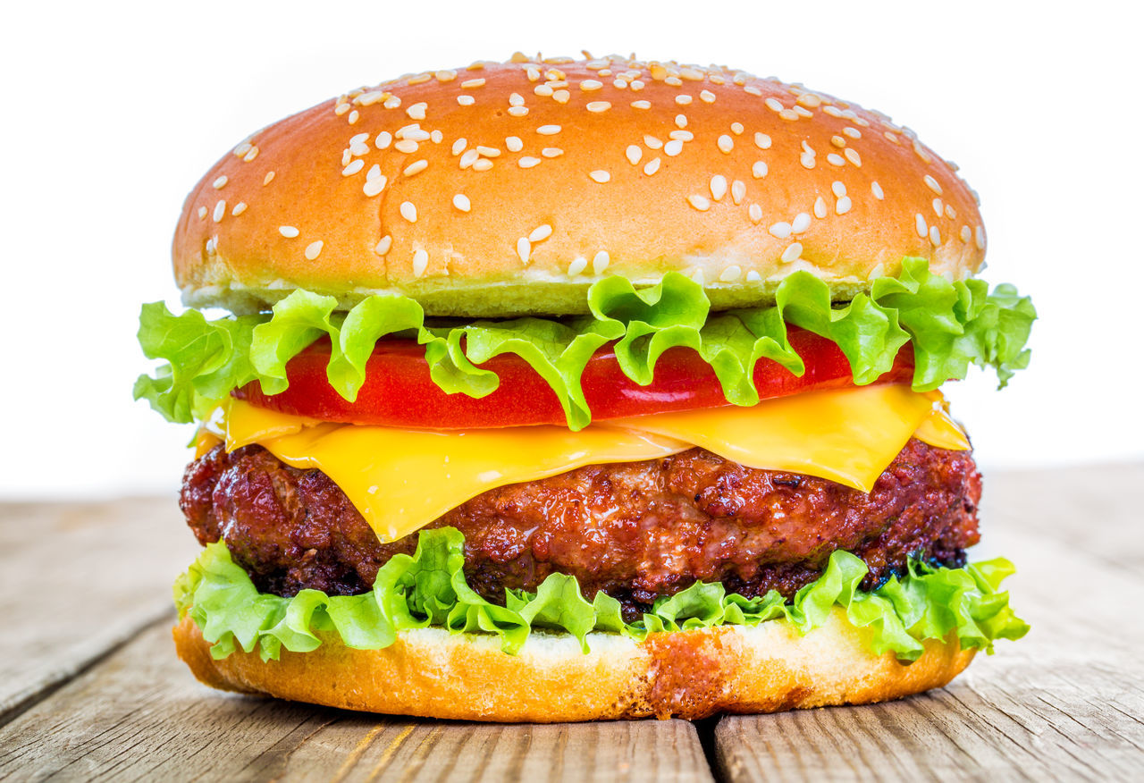 Beef Bread Bun Burger CheeseBurger Close-up Cultures Fast Food Food Food And Drink Freshness Hamburger Hamburger Hafen Lettuce Meal Meat No People Sandwich Savory Food Sesame Snack Take Out Food Tomato Unhealthy Eating