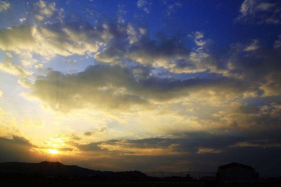 Sky Scenics Sunset Cloud - Sky Dramatic Sky Night Outdoors No People Illuminated Nature Beauty In Nature Cityscape