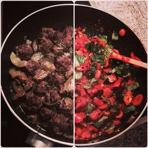 Abendmahl: Marokkanische Hackfleischbällchen mit Pfannenratatouille... #küchenparty Pfanne Gemüsepfanne Food Gemuesepfanne Gemüse Marokkanisch Essen Hackfleischbällchen Meatballs Hackfleischbaellchen Vegetables Foodporn Pan Instafood Küchenparty Moroccan Kuechenparty Foodkoma Stirfried Gemuese