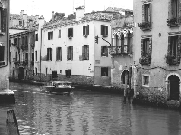 Venice Europe Trip Old Wall Style Old Walls Windows And Doors Attached Buildings Old Houses Old Buildings Riverside Boat River Island Black And White Damaged Wall Brick Wall Romantic❤ Baroque Reinessance Classic Facades Amazing Architecture Italy❤️ Canal