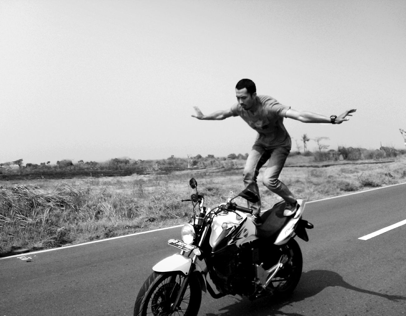Fly Flying hahaaa Biker Motorcyle Blackandwhite Black And White Blackandwhite Photography Safety 😉😁 Nature That's Me
