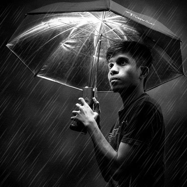 Rain of light. Instamag Insta_pic Insta_bw Blacknwhite photographer photography photooftheday bestpicture portrait