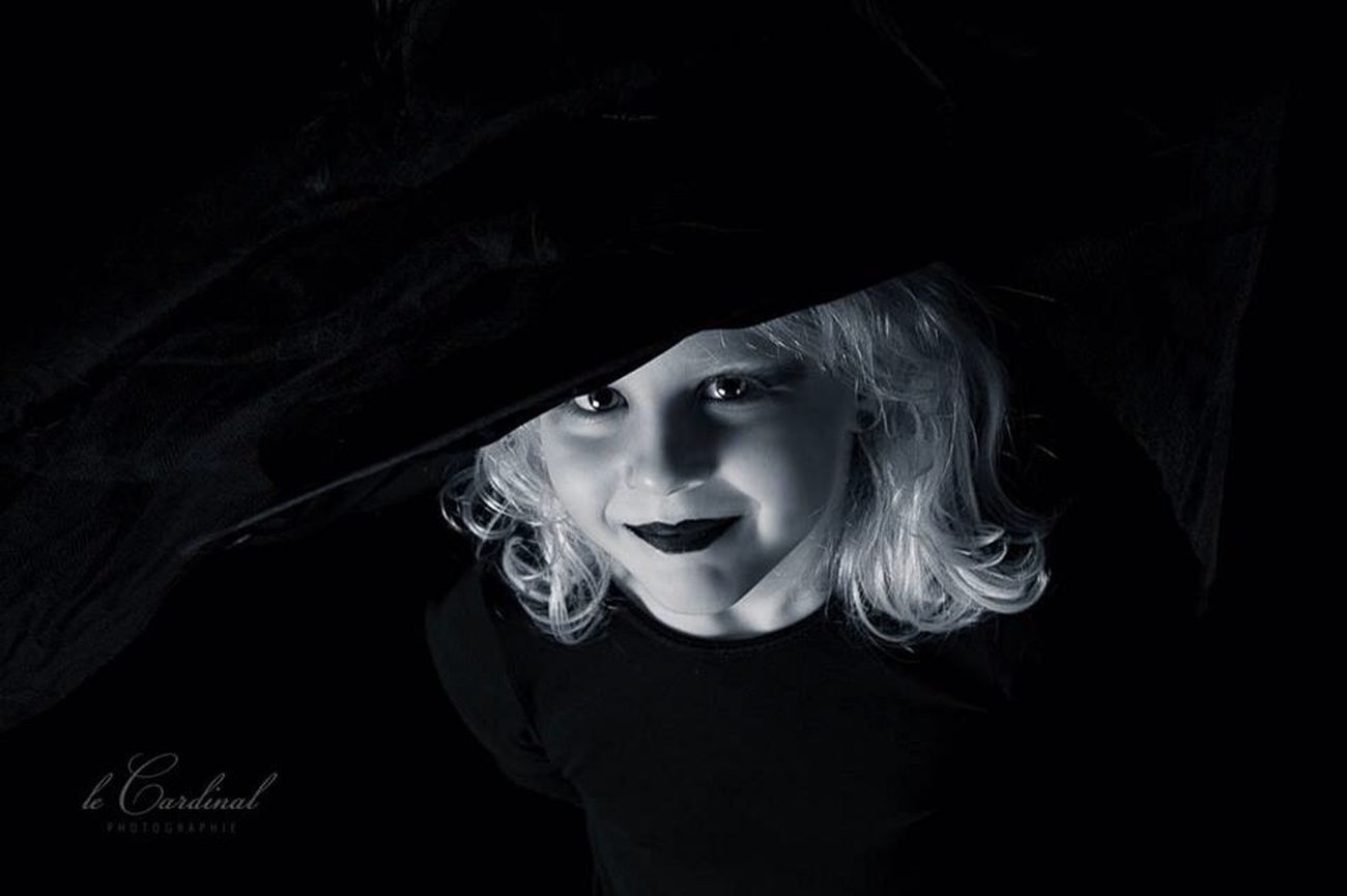 Blackandwhite Kids Witch