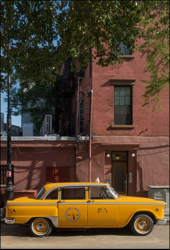 DT _ NYC 94 yr. ago, Today - 6/2/17 A Piece Of History Architecture CanonpowershotG7X Checker Cab, 1st Built 1922 EyeEm StreetPhotography, NYC Malephotographerofthemonth No Edits, No Filters The Purist (no Edit, No Filter) The Street Photographer The Street Photographer - 2017 EyeEm Awards