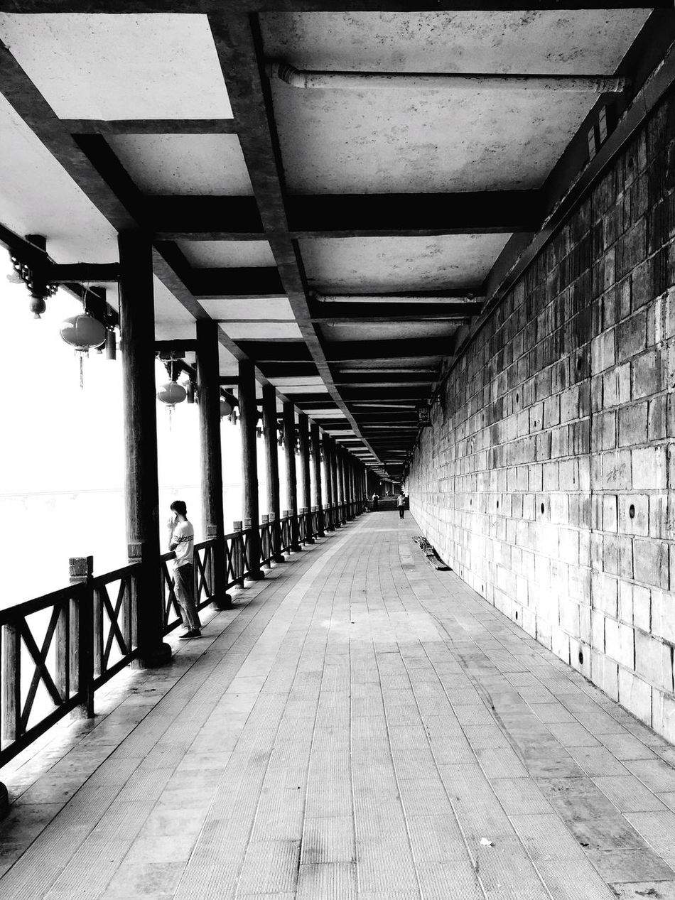 Corridor along the Riverside