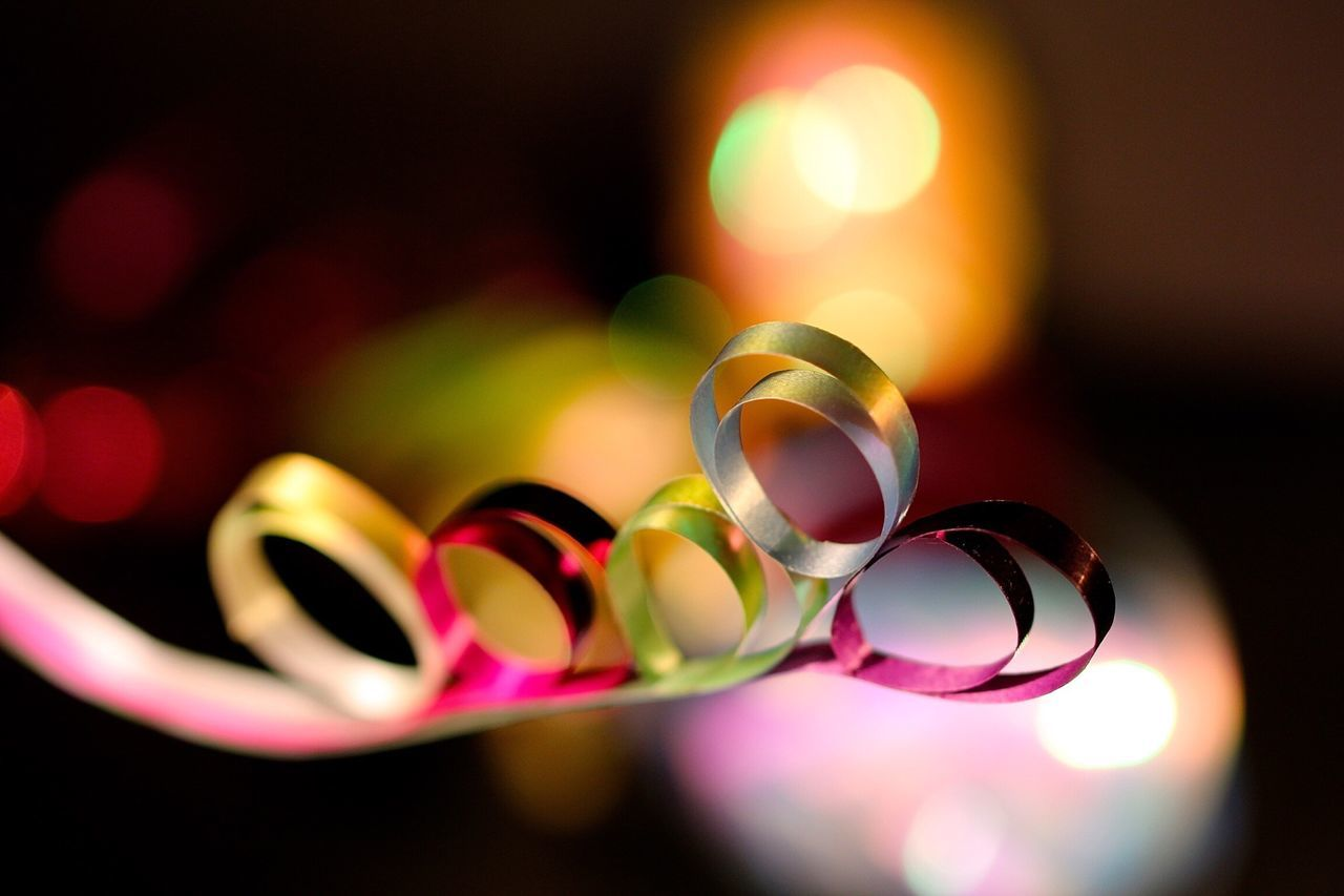 Beautiful stock photos of bow, Close-Up, Curled, Decoration, Indoors