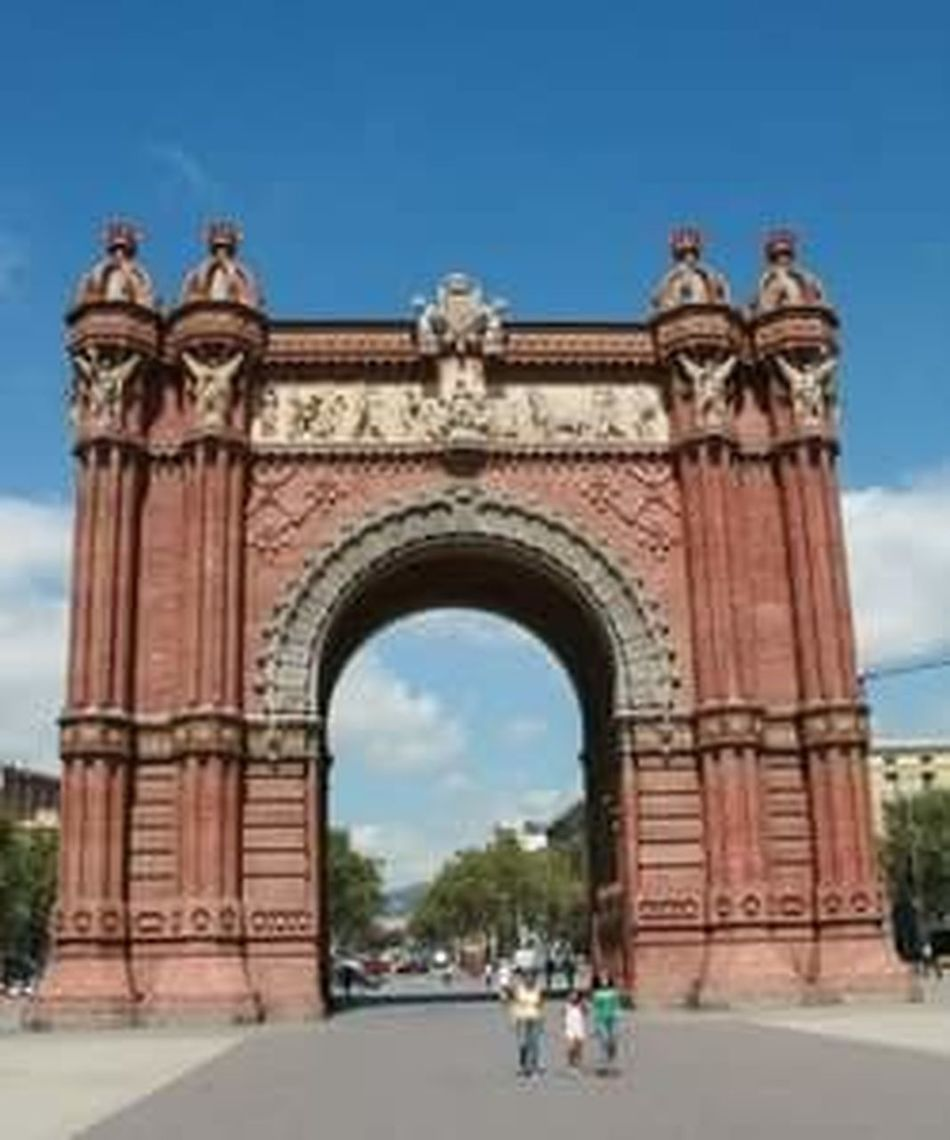 Architecture Arch Outdoors Built Structure Sky Triumphal Arch Barcelona Barcelona, Spain Barcelona Streets Barcelona Streetphotography Arc De Barcelona Arc De Triomphe, Arc De Triomf-Barcelona Arc Del Triomf