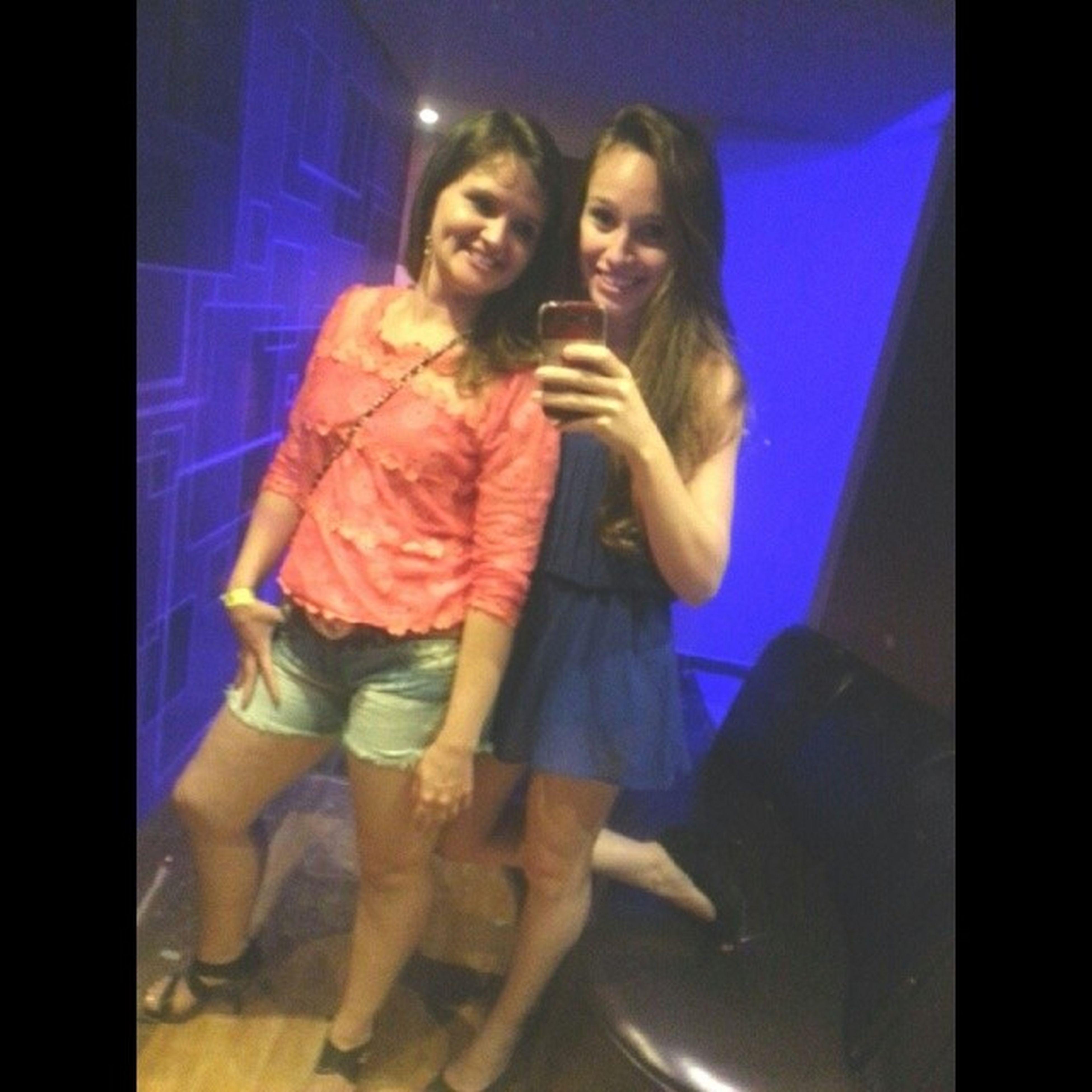 Mortas feat. Enterradas .. Porque você é igual Rexona, não me abandona nunca ! KKKK Te amo ♥ Sister Girls Babadoconfusaoegritaria