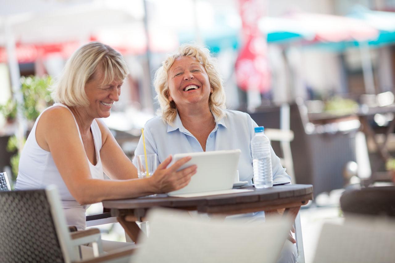 Beautiful stock photos of freunde, two people, communication, technology, smiling