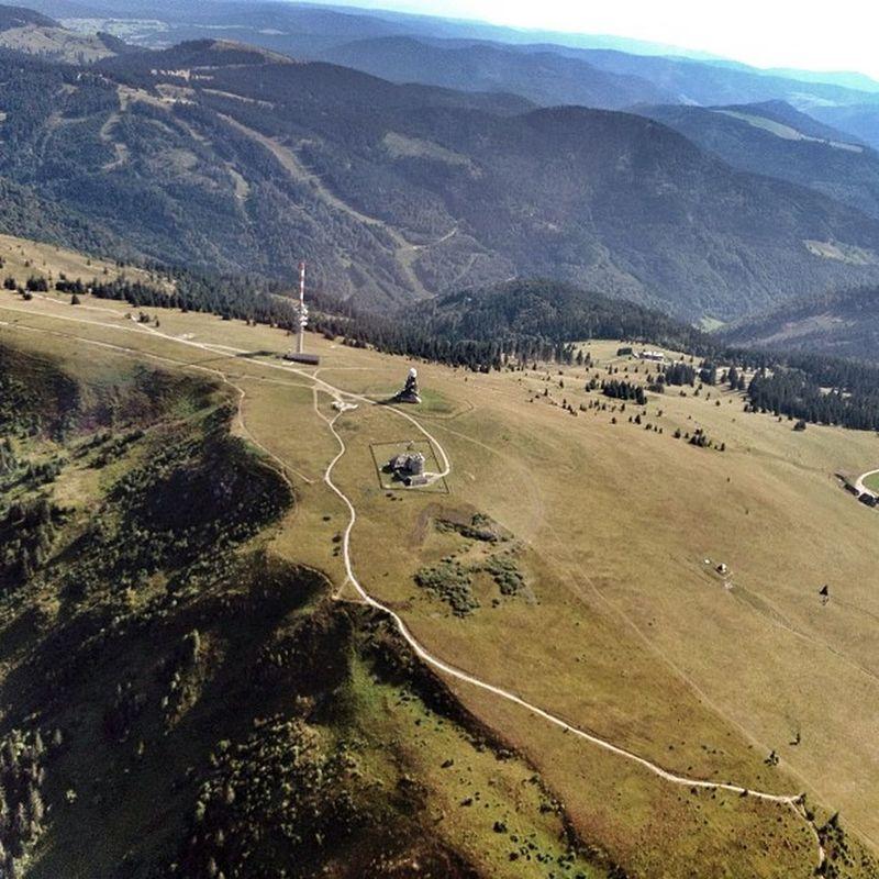 Feldberg Deutschland Germany Schwarzwald Blackforrest pa28 piper ausblick berge hügel