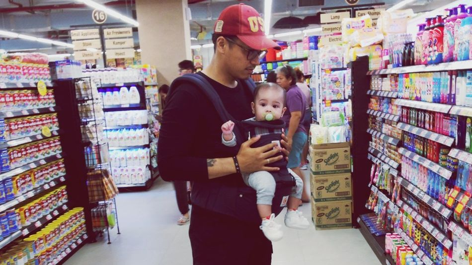 Grocery Shopping Ergobaby Daughter And Dad ❤