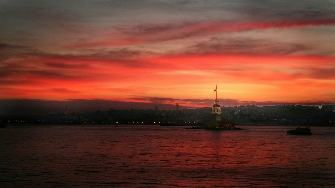 Cityscapes Sunset Kızkulesi Istanbul Turkey Red Clouds And Sky Popular Photos City Bosphorus Sunset Nature