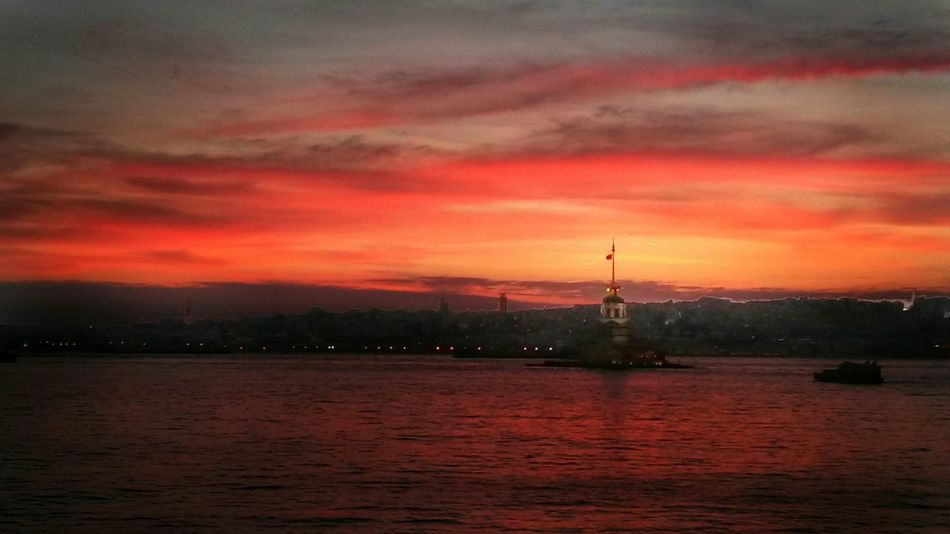Cityscapes Sunset Kızkulesi Istanbul Turkey Red Clouds And Sky Popular Photos City Bosphorus Sunset Nature
