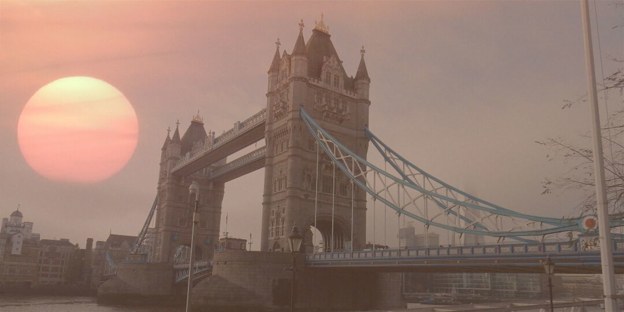 Exploring Style Travel Destinations Travel City Bridge - Man Made Structure Architecture Tourism Government Connection History Politics And Government Built Structure No People Cultures Sky Outdoors Sun Clock Tower Cityscape Day Autumn Sunset Tower Bridge  Amazing Beauty Bestoftheday