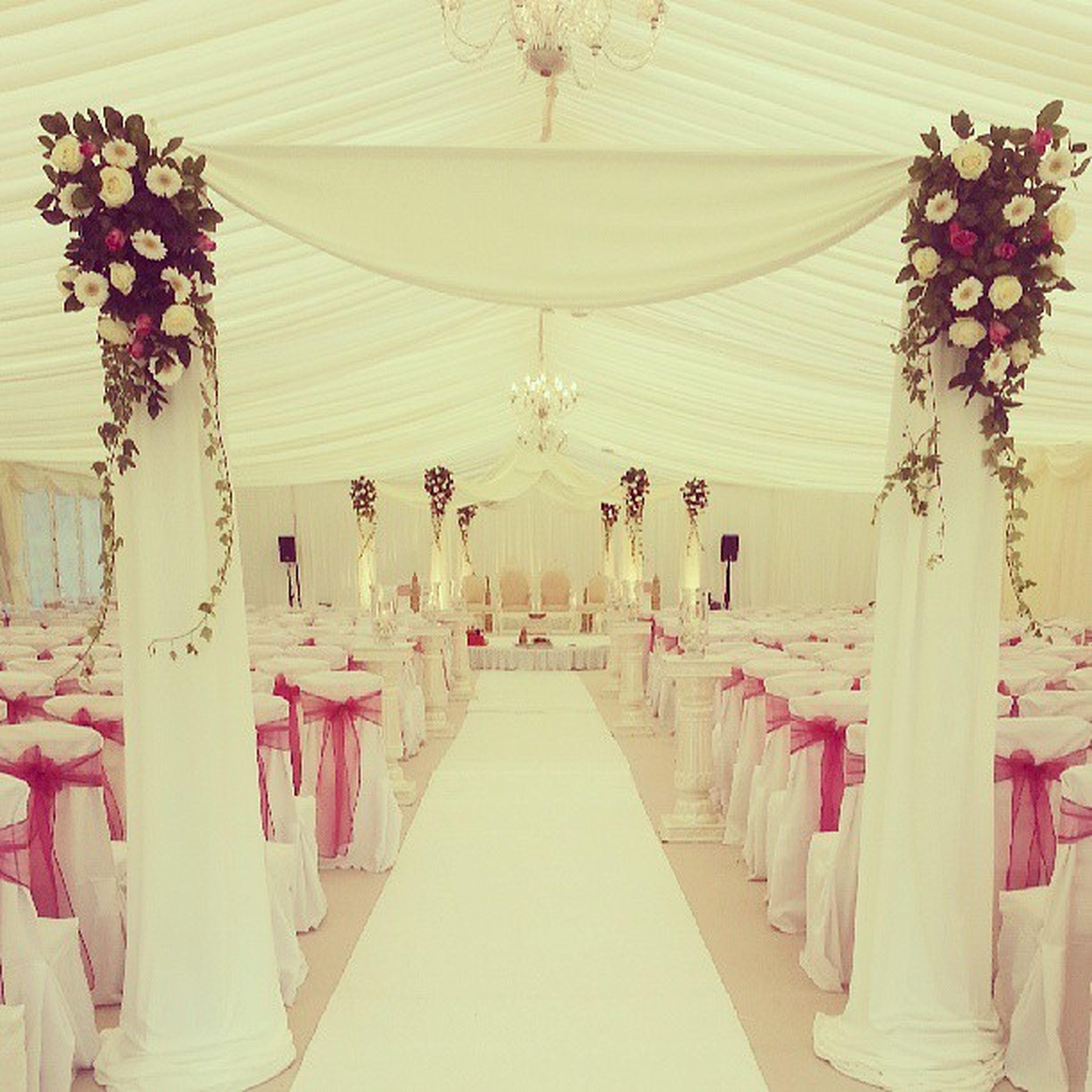 Wedding 6pillar Swargweddings Butterlygrange Pinkandwhite Flowers