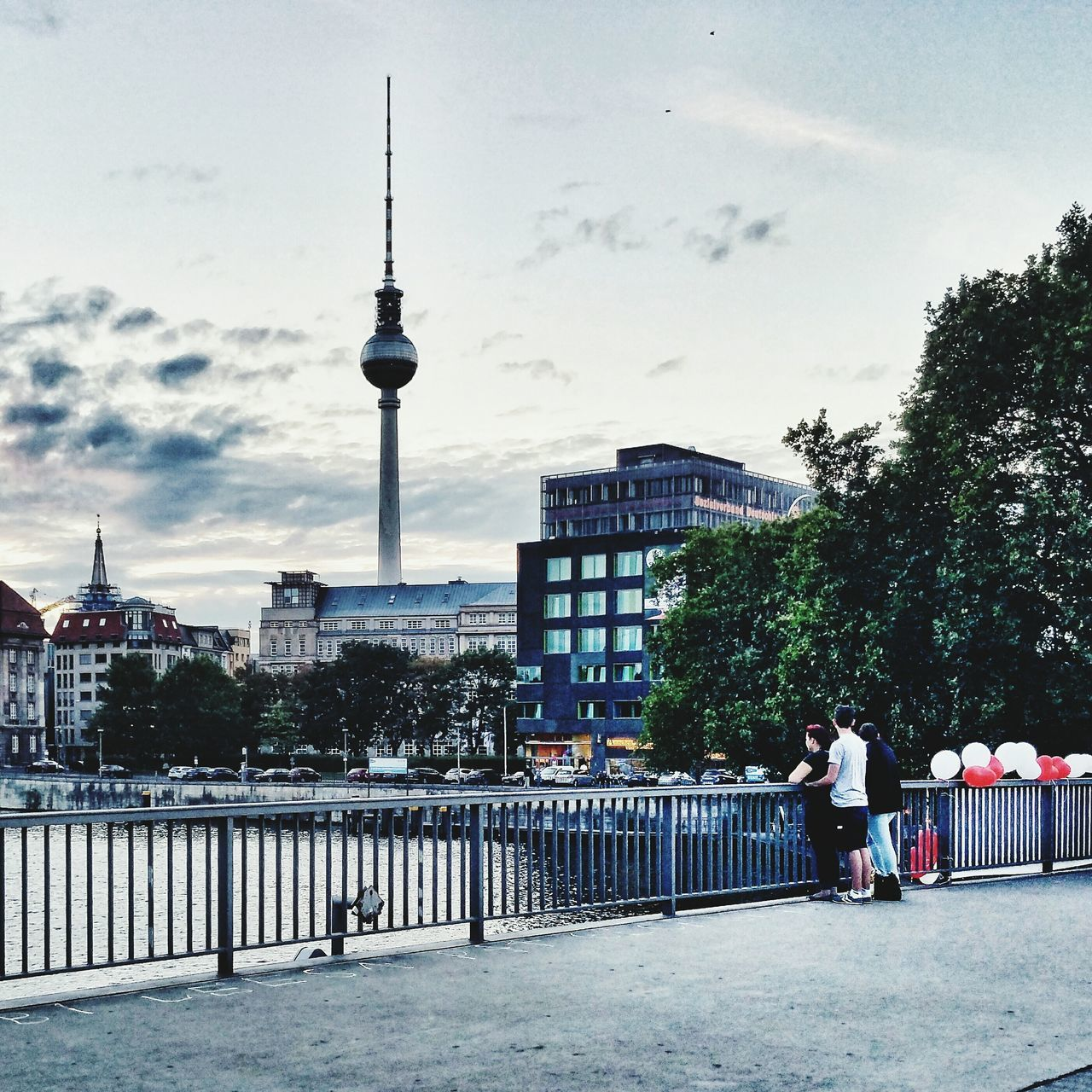 Berliner Ansichten Berlin Photography Berlin Mitte Berlinstagram Sunset_collection Alex Tvtower #berlin #alexanderplatz Streetphotography UrbanPoetry Urbanphotography Urban Romantic Streetsofberlin Streetsofberladelphia Berladelphia Eye4photography  Cinema In Your Life Scenic View Sky_collection