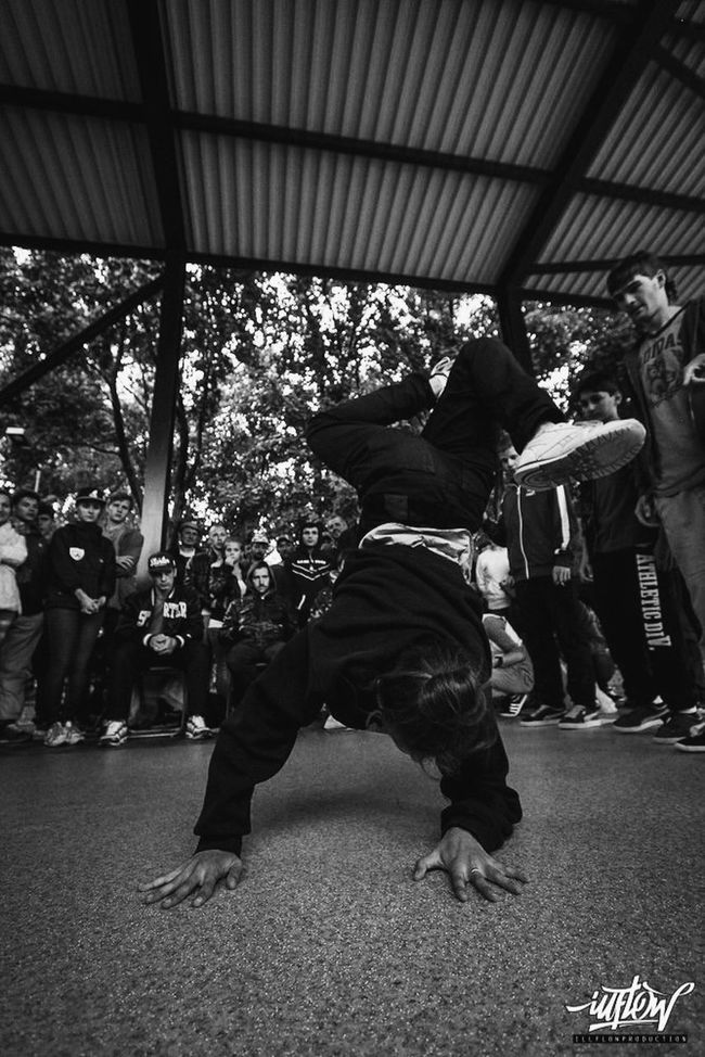 Make It Yourself do dance. Breakdance. Hello World Check This Out battle