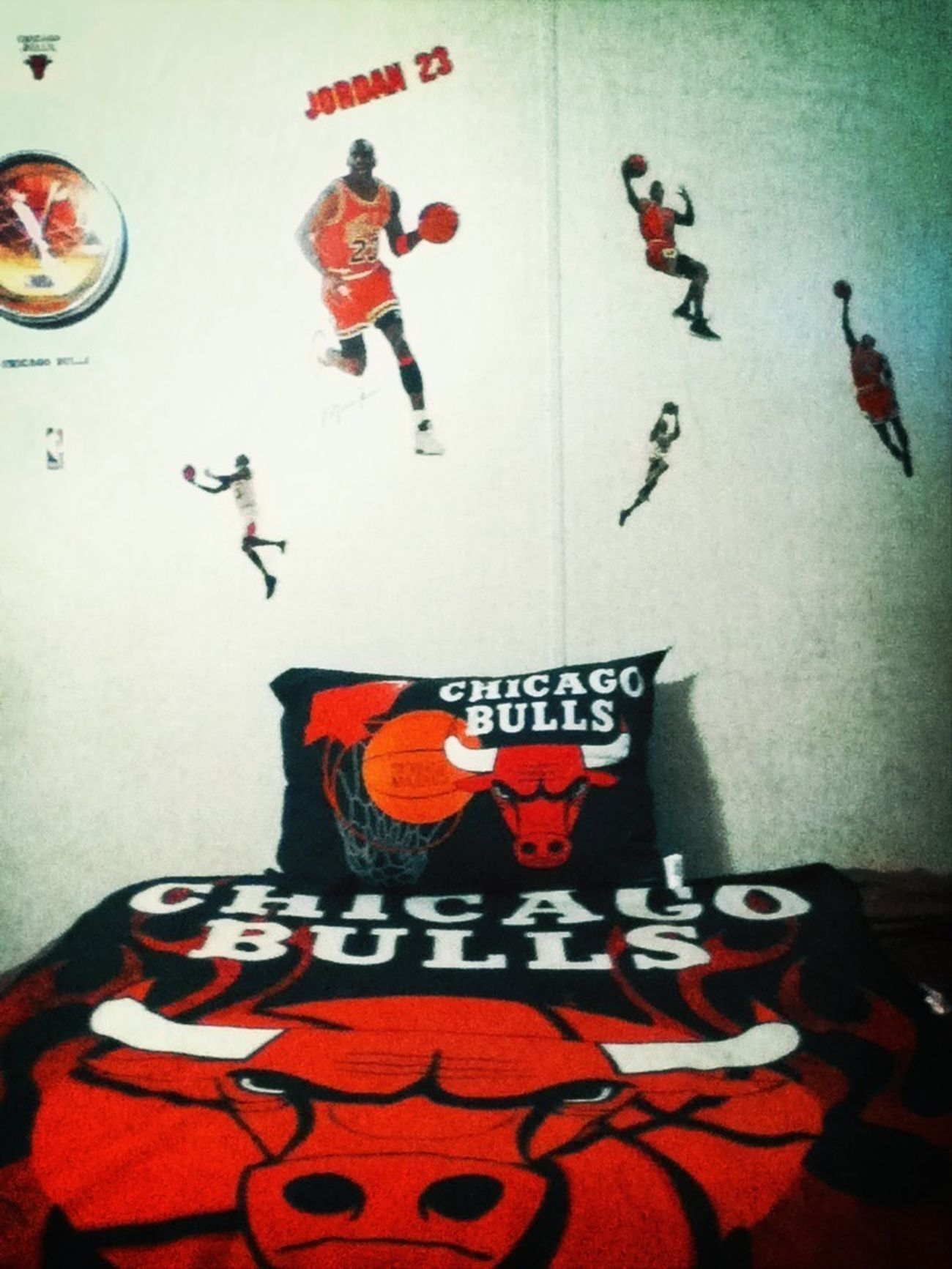 I'm addicted to Chicago Bulls!! :)