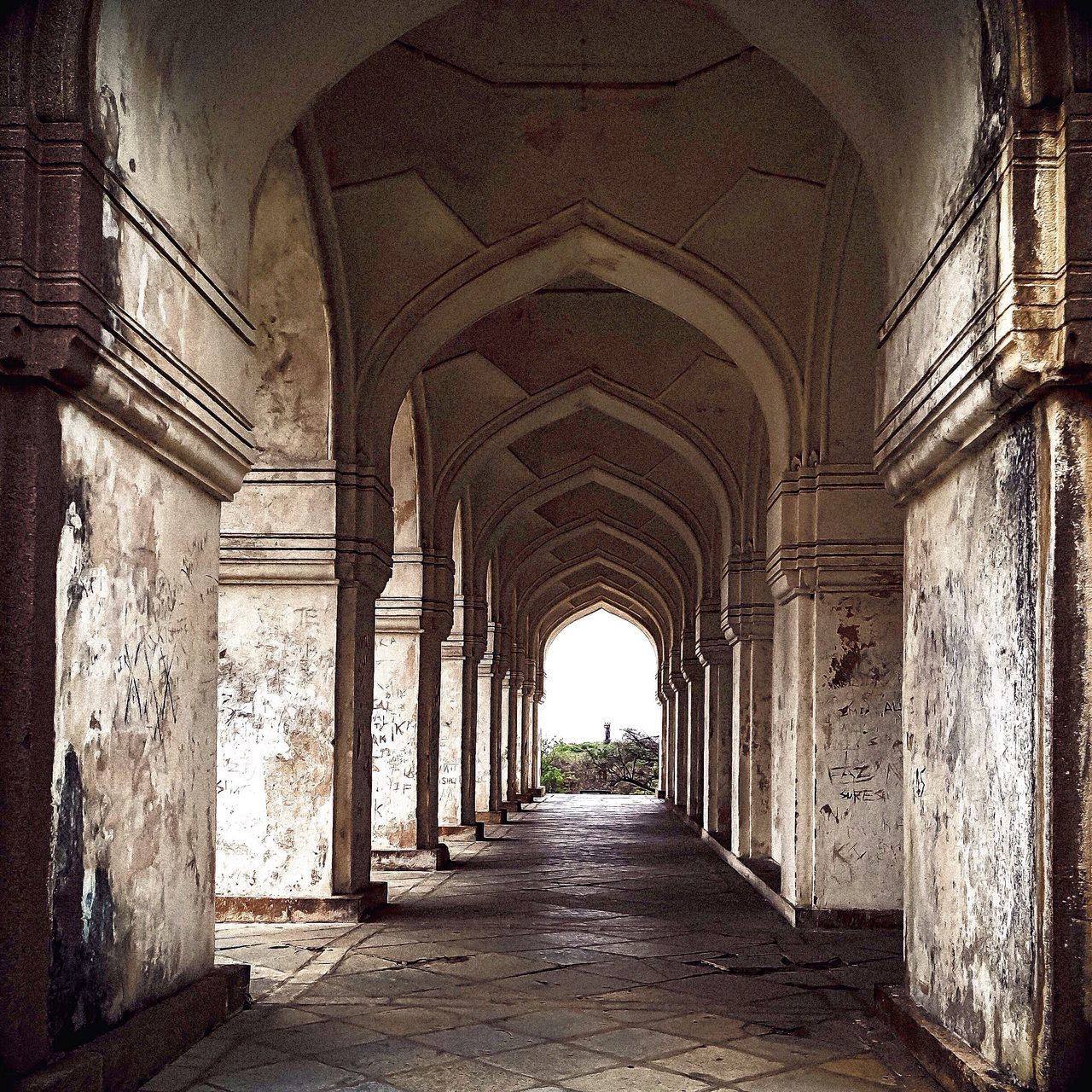 architecture, arch, history, built structure, corridor, architectural column, the way forward, day, no people, indoors