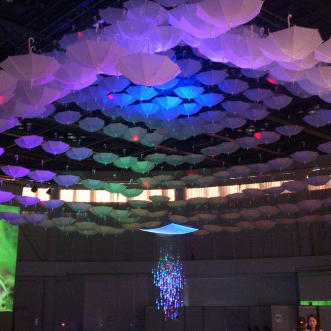 秋にやる予定のイベントのプレイベント。 タントの円形ホールで明日まで。 GOEN Neagari Nomi Lighting umbrella tanto pre-event kutani 根上 能美 プロジェクションマッピング 九谷焼