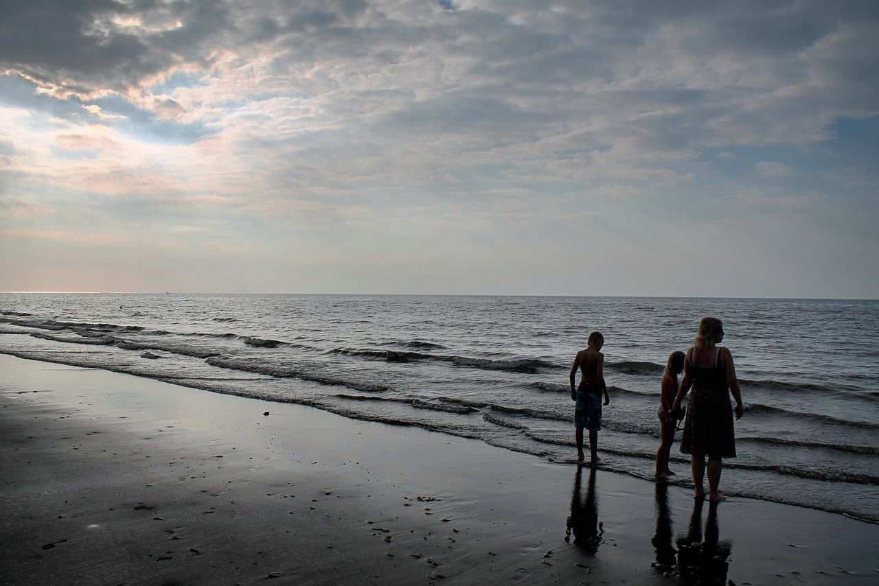 Sea Beach Walking Horizon Over Water Water Sand Togetherness Silhouette People Adults Only Summer Sky Sunset Scenics Outdoors Full Length Adult Nature Day Teamwork