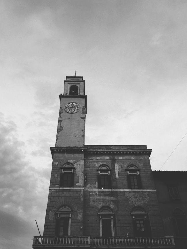 Tower Clock Time Architecture Cloud - Sky Building Exterior Sky Pisa