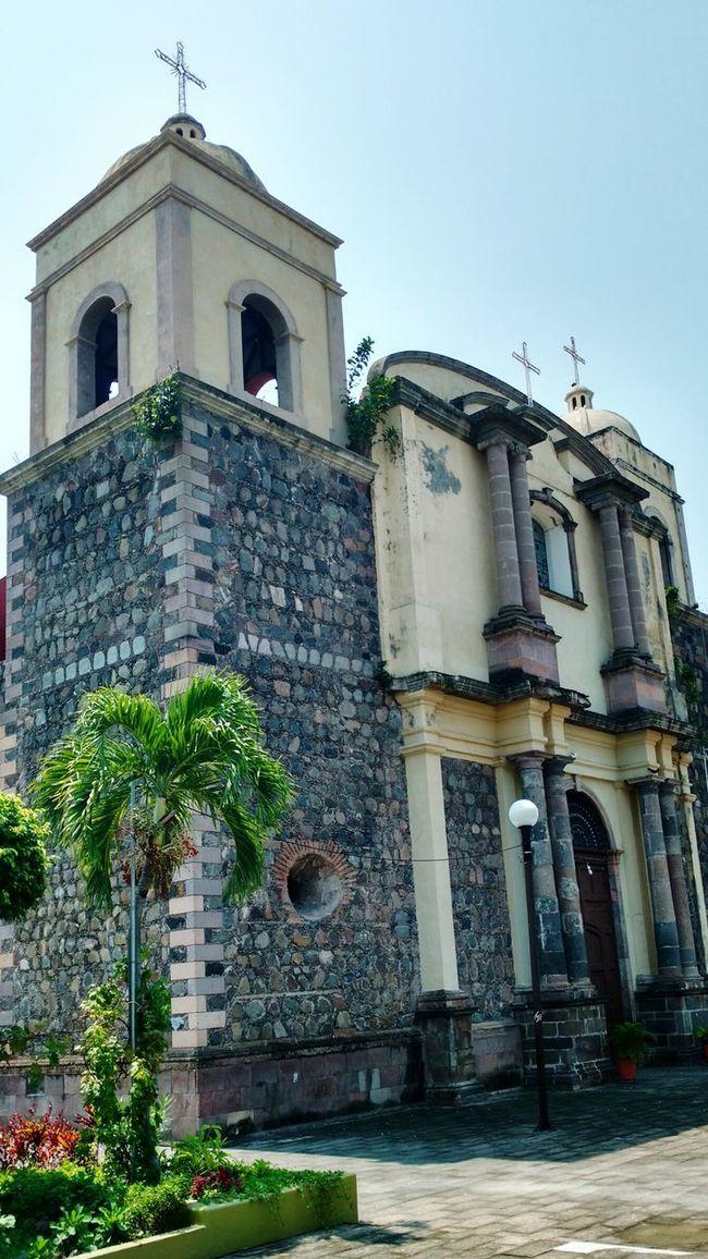 iglesia en colima Old Town Architecture Colima Mexico Building Exterior Iglesia Iglesiasmexicanas Iglesia Peace ✌ Amen