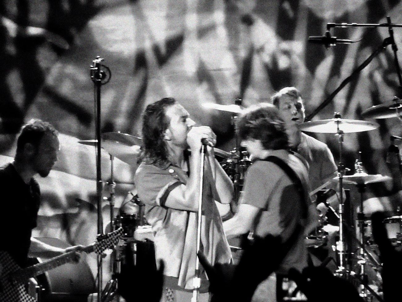 Music Brings Us Together Music Pearl Jam Grunge O2 London Rock Eddie Vedder Jeff Ament Stone Gossard Matt Cameron Blackandwhite