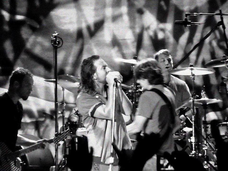 Music Brings Us Together Music Pearl Jam Grunge O2 London Rock Eddie Vedder Jeff Ament Stone Gossard Matt Cameron Blackandwhite