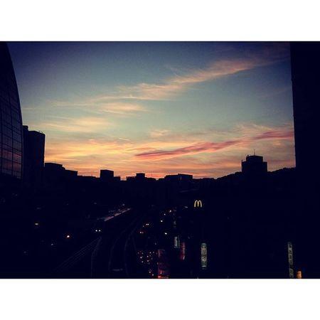 美麗的彩霞......不拍太可惜了😍 Work Portofolio Traveling Clouds pink afternoon mrt buildings shadow