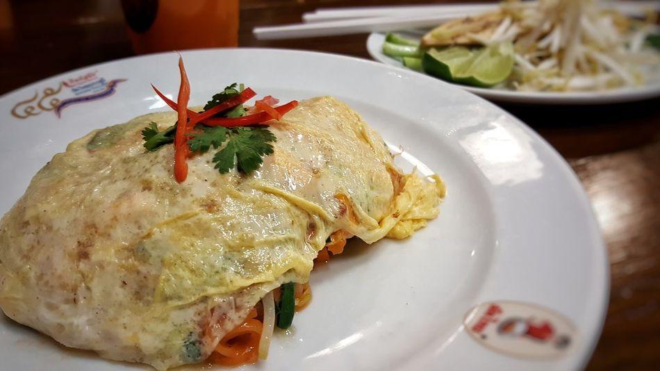 Padthai Padthai Food Plate Meal No People PadThaiLover PadThaiGoongSod Padthai Food Padthaigong Thaifood Thaifooddelicious Egg Padthaiwrapinegg Wrapegg Eggwrap Thipsamai Pratoopee Thai Food Thailand