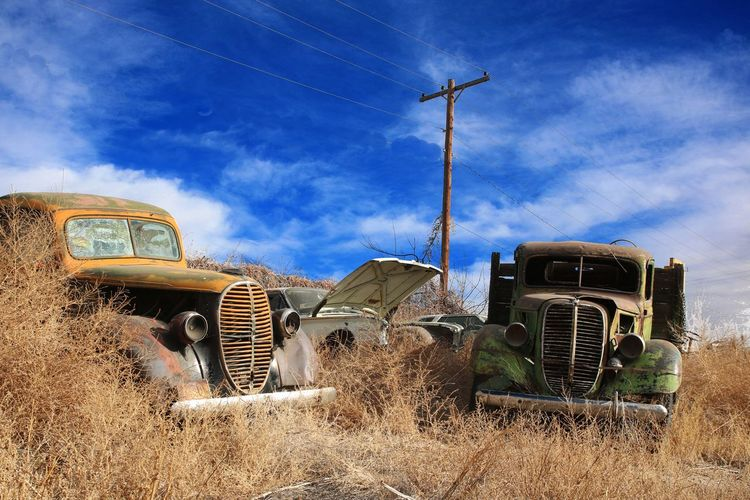 1940s Abandoned Blue Sky And Clouds Decay Decaying Derilict Old Cars Old Cars ❤ Old Trucks Trucks Vintage Cars Vintage Cars. Vintage Trucks