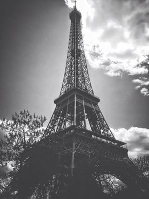 eye4black&white  at Parc du Champ de Mars by Steph