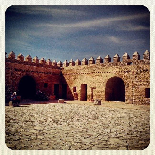 Tbaskila un fort bien conservé en plein milieu du lac de Tunis.