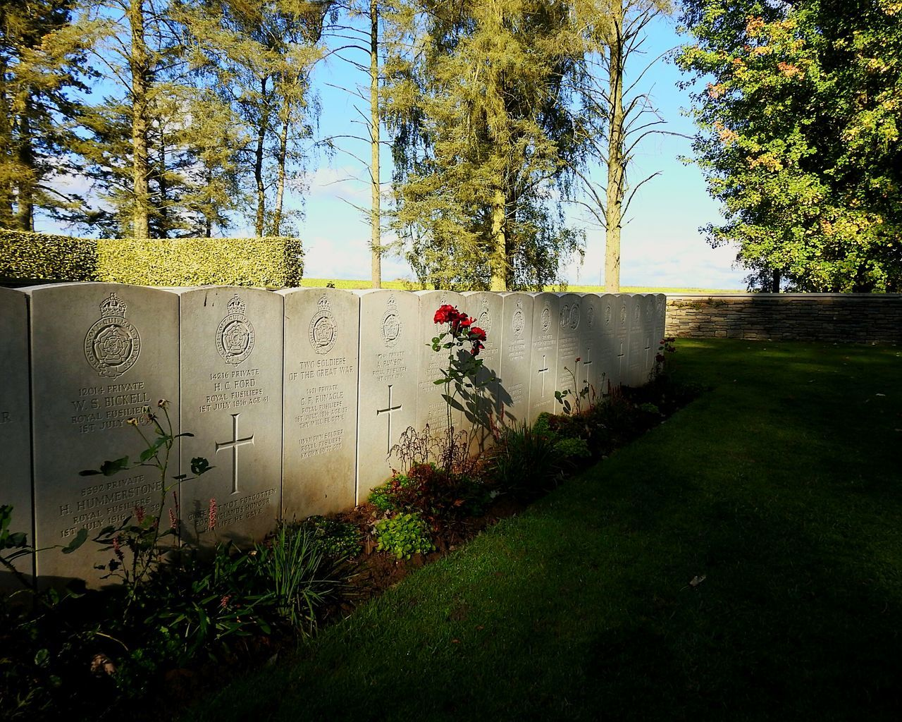 World War 1 Grave The Somme Remembrance World War 1 Memorial Gravestone Human Representation Ww1 Memorial Ww1 War Hero Scottish War Heroes Sunbeam Newfoundland Memorial Park