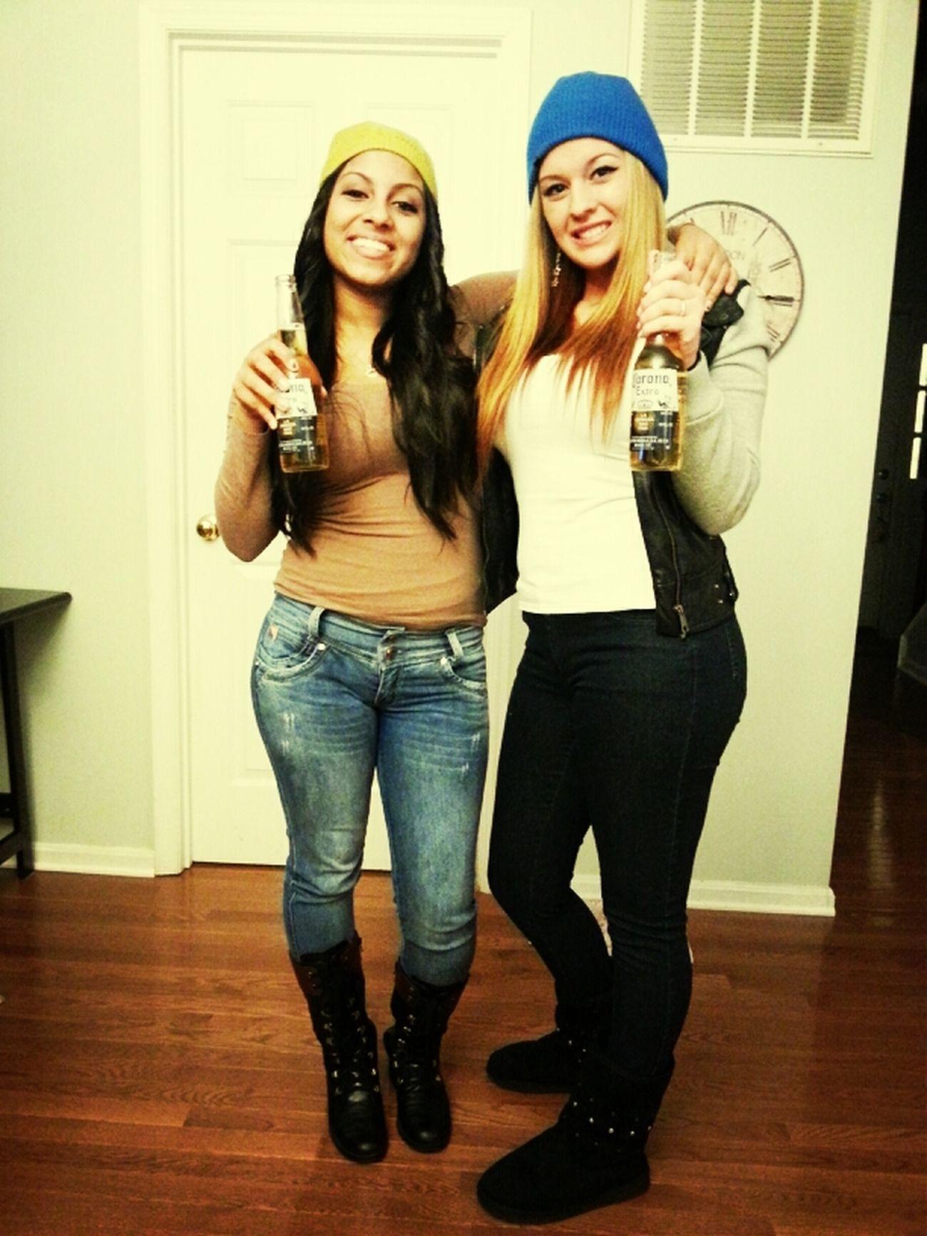 twin, best friend ; blanquita y negrita ;)