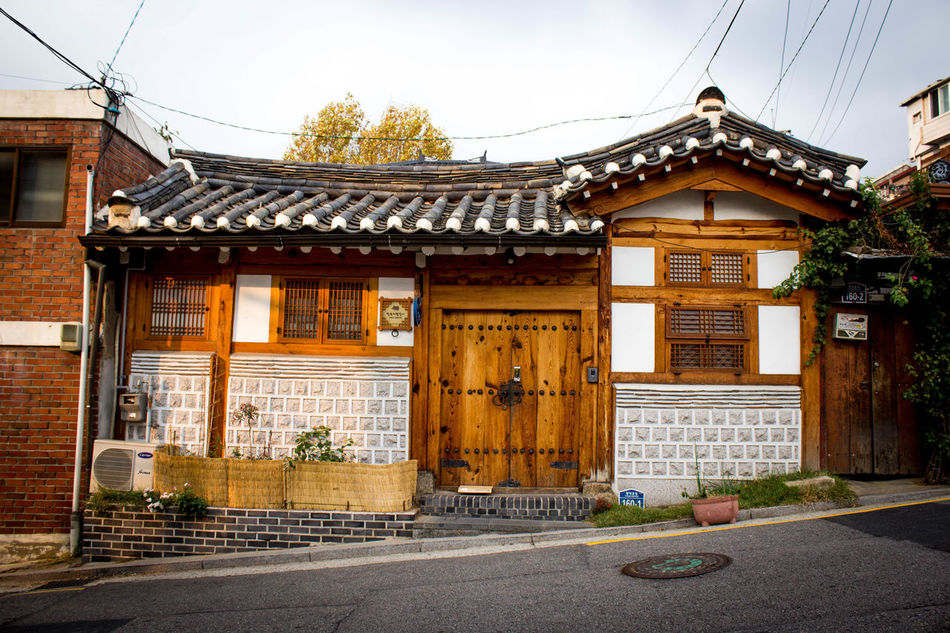 Postcards from Seoul. Architecture ASIA Building Building Exterior Built Structure Day Entrance House Inwangsan Korean No People Outdoors Postcard Seoul Shamanist Sightseeing South Korea Street Streetphotography Tradition Traditional Travel Photography