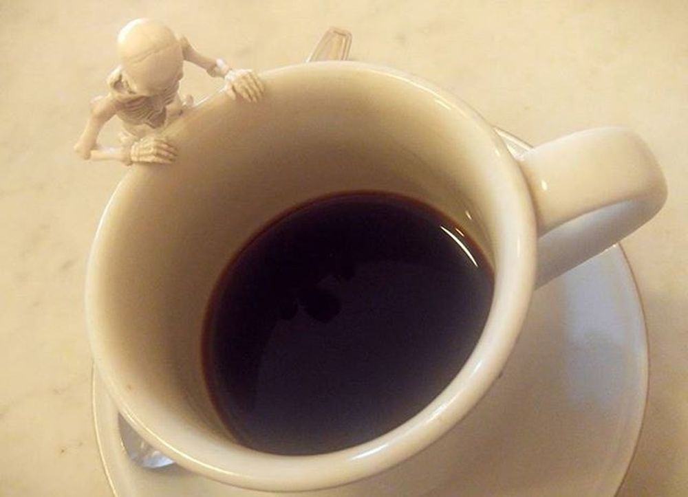 It's look a good coffee bro... Coffee Coffeetime Blackcoffee Coffeesesh Figure Toys Skeleton Rement Poseskeleton Val  2016 LGG4 LG  G4 😚 ☕ ☠